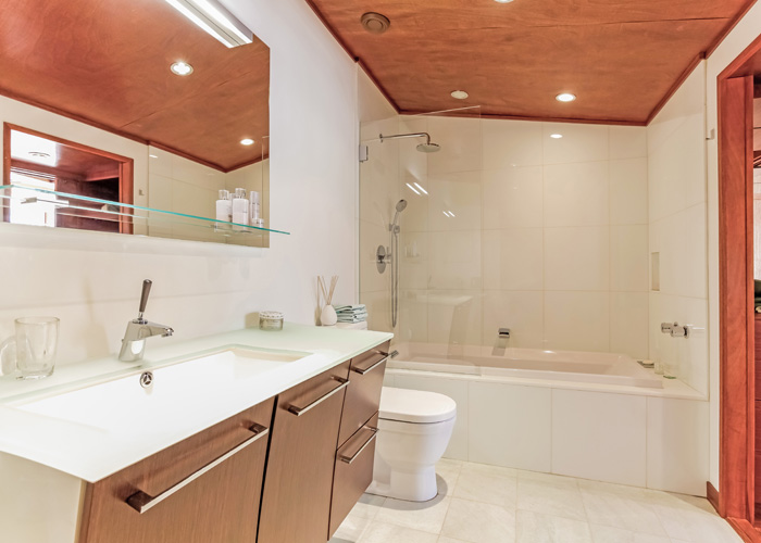 023-Master_Bathroom-870762-print