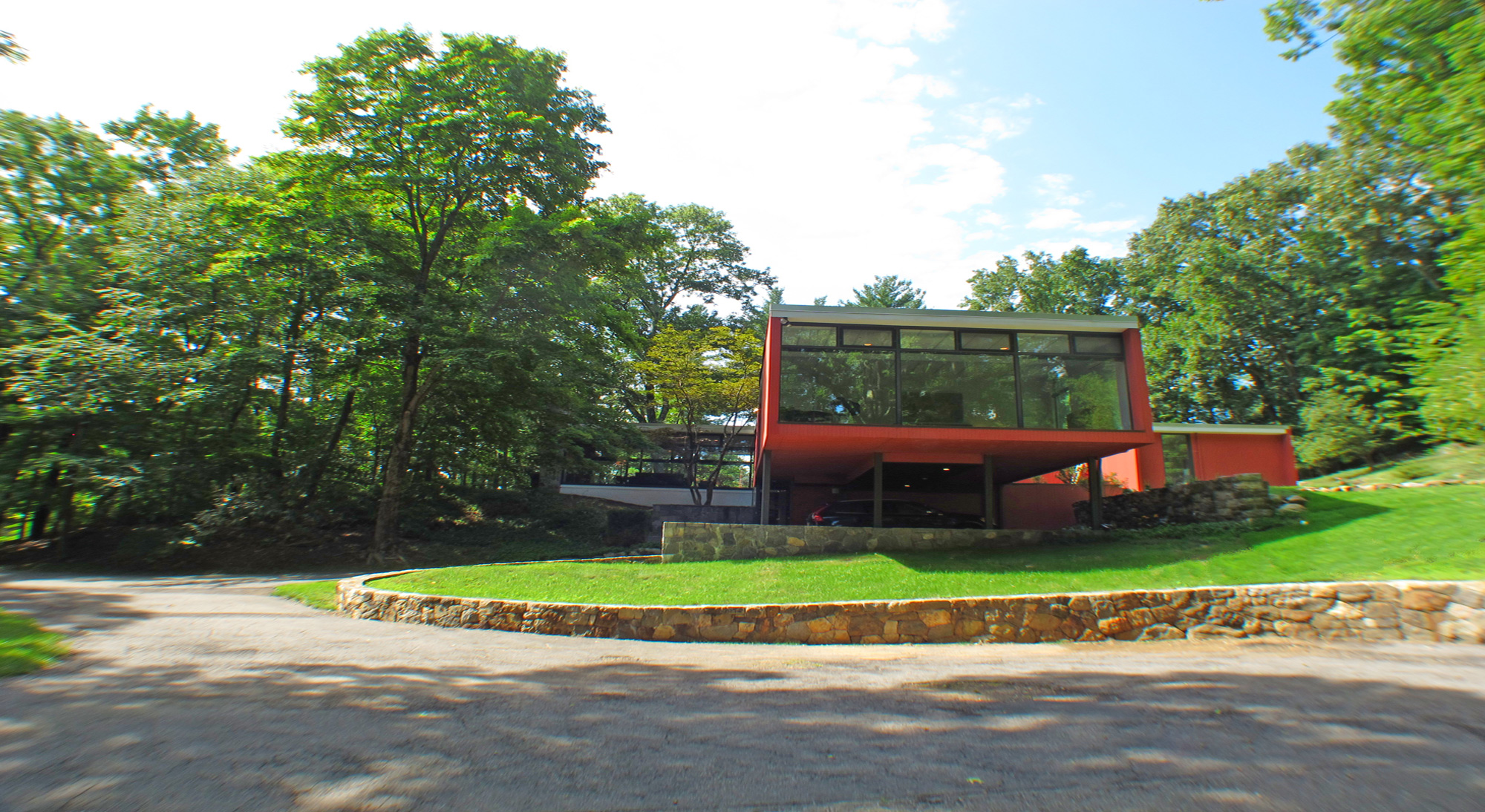 $1,350,000 THE MEYER RESIDENCE 1955, ARCHITECT LEONARD FELDMAN, CHAPPAQUA,  NY. This Remarkable Modernist Icon Is A Triumphant Statement In The  International ...
